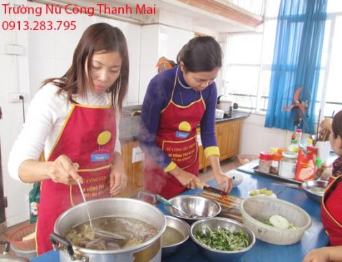 Học Nấu Bún Bò Huế Để Bán